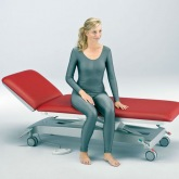 Height-adjustable examination couch Servoprax